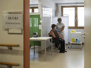 Öt beteg hunyt el, 479 új koronavírusost azonosítottak
