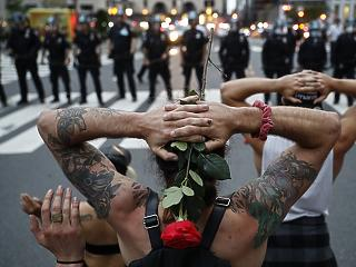Átfogó rendőrségi reformra készülnek az USA-ban a demokraták