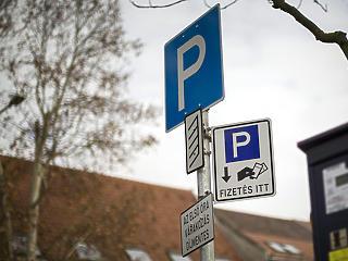 Egy-két héten belül megszűnik az ingyenes parkolás a Magyar Nemzet szerint