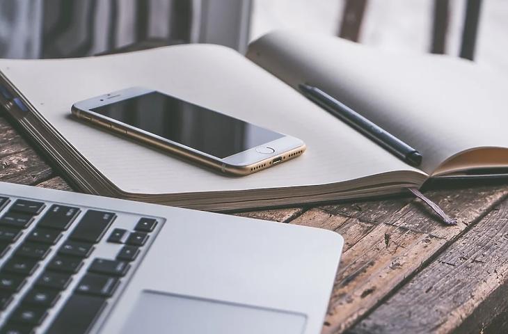 A mobil mindent elbír: a biztosítások jövője már a zsebünkben van