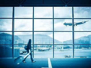 Elszálló árak, kígyózó sorok: ilyen  lehet a repülés a koronavírus után