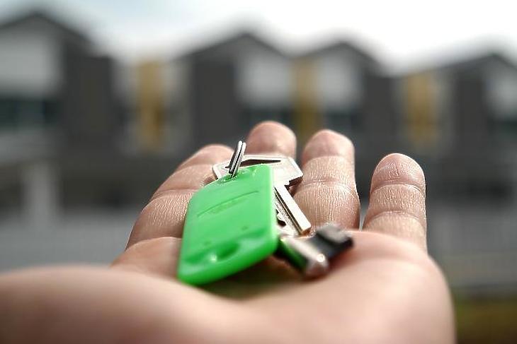 A kulcs mellé kell egy jó számítás is a plusz költségekről (fotó: pixabay.com)