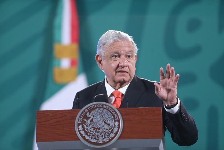 Andres Manuel Lopez Obrador, Mexikó elnöke egy sajtótájékoztatón a Nemzeti Palotában Mexikóvárosban 2021. június 3-án. EPA/Sashenka Gutierrez