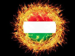 Csúcson a magyar gazdaság - csak a választási pénzszórással ijesztettek ránk
