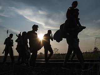 Vissza a feladónak: megállapodtak Merkelék a menedékkérők visszaküldéséről