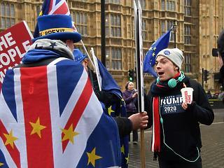 Brexit: Írország kitolná a brit kilépés idejét