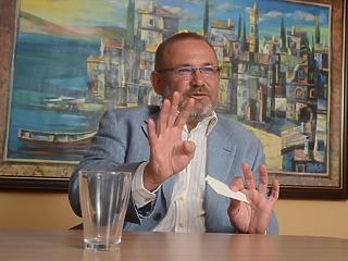 Addig még olvasni sem nagyon olvastunk hasonlót - Lantos Csaba a tíz éve kirobbant válságról