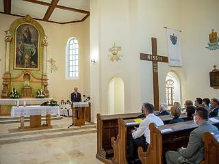 A katolikus templomok nem zárnak be, mehetnek tovább a misék