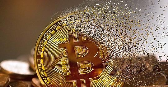 A világ leggazdagabb embere is beszállt a bitcoinba, és lehet, hogy nem csak trollkodásból