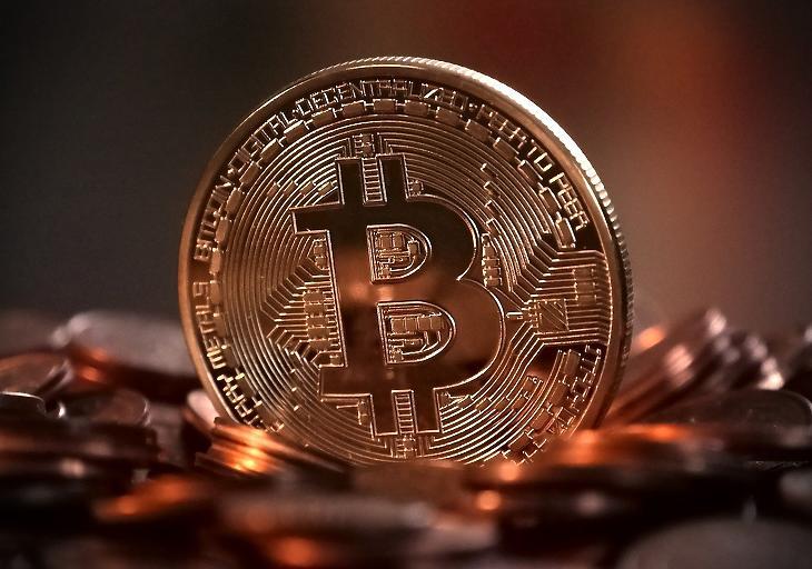 Rézszínű bitcoin-emlékérme (Pixabay.com)