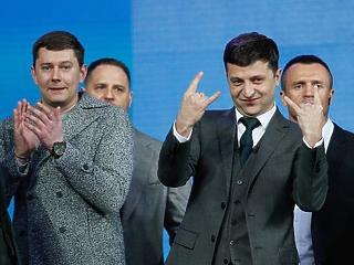 Maga hülyének néz engem? Lemondott, miután beszólt neki az új ukrán elnök