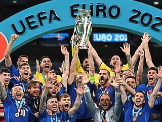 Olasz futballreneszánsz: a válogatott bearanyozódott, a Serie A még nem