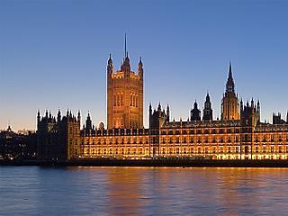 Olyasmi történik Londonban, amire 77 éve nem volt példa
