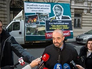 Már Brüsszel utcáit járja a magyar kormány riogató autója