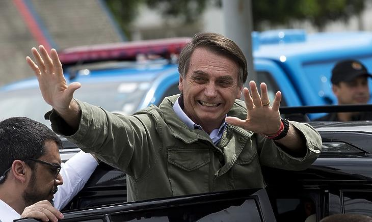Bolsonaro megfosztaná jövedelme egy részétől a nyomtatott brazil sajtót