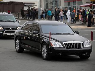 Rés a vasfüggönyön: hogyan jut Kim Dzsongun luxus limuzinokhoz?