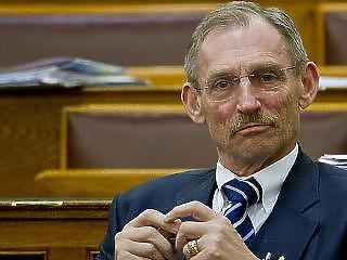 Budapest is Pintér Sándor egykori államtitkárára bízta a vagyonát