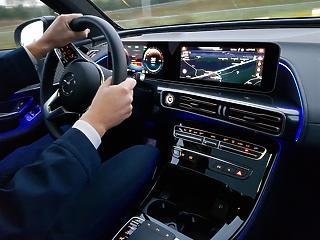 360 felett az euró ára, a Daimler az európai tőzsdék motorja