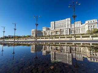 A román média biztosra veszi a Citu-kabinet bukását és elhúzódó válságra számít