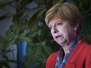 Június 30-ig kért Brexit-halasztást Theresa May