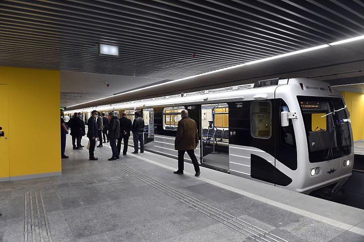 A megújult Pöttyös utcai állomás a 3-as metróvonal felújított déli, a Nagyvárad tér és Kőbánya-Kispest közötti szakaszának átadásán (Fotó: MTI/Máthé Zoltán)