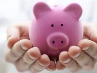 295 milliárdos többlettel zárta az első fél évet az államháztartás