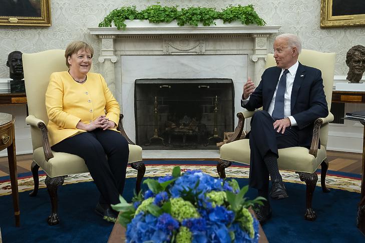Rávetette az árnyát az Északi Áramlat 2 Angela Merkel barátságos amerikai búcsúturnéjára