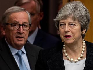 Óriásit szkanderezett Juncker és May, mégis elfogadhatják a Brexit-alkut
