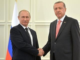 Putyin azonnal lezárná a háborút – ma Erdogan lobbizik nála