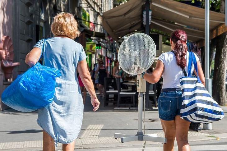 Megrohamozták a magyarok ventilátorokért a boltokat