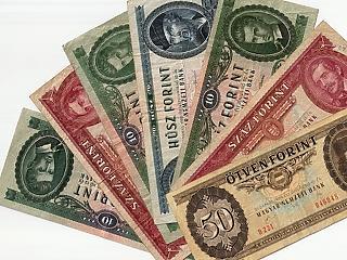 Megint 332 forint az euró, három robusztus erő mozgatja a tőzsdét