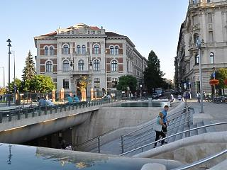 Mészáros Lőrinc vásárol: emblematikus épületet kebelezhetnek be
