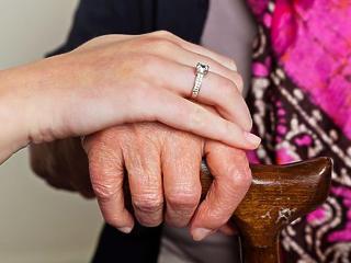 Ki fog támogatni a nyugdíjas években? Nem mindegy, mit mutatnak a szülők