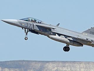 Gyanús repülőgépek az atomerőmű felett – riasztották a Gripeneket