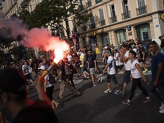 240 ezren tüntettek Franciaországban a korona-korlátozások ellen