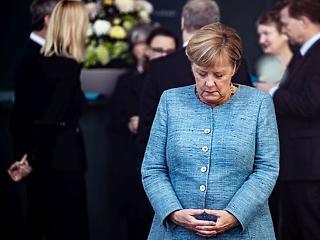 A királynő meztelen – Merkel kancellárságának szégyenteli vége