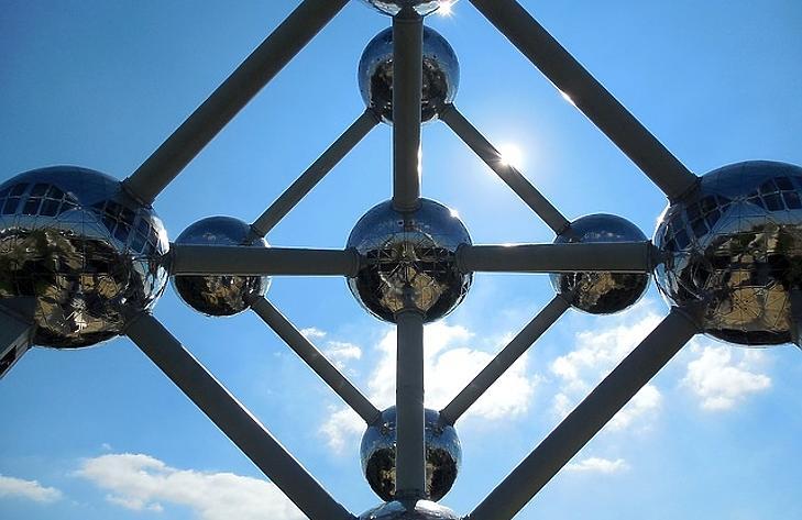 Brüsszel a koronavírus frontális támadásától tart