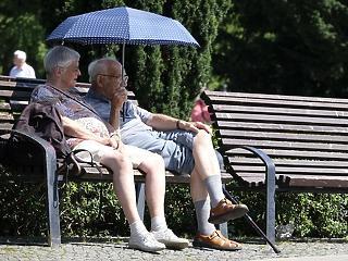 Kiderült, mennyivel emelik jövőre a nyugdíjakat