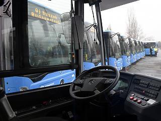 Fővárosi tömegközlekedés: megint kordonozzák az első ajtókat a buszokon és a trolikon