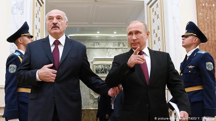 Putyin még mindig védi Lukasenka elnököt (fotó: DPA/TASZSZ)