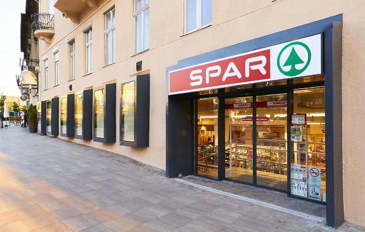 Koronavírus: a Spar korábban zár, és egyes termékekből mennyiségi korlátok is lesznek