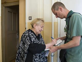 A maglódi nyugdíjas már megkapta a rezsiutalványát, az óbudai még nem