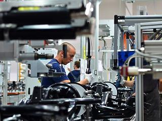 200 új munkahelyet teremt a thyssenkrupp Pécsen