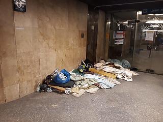 Közmunkára vagy elzárásra ítélné a kormány a hajléktalanokat