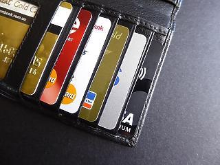 Mennyi pénzt vigyünk az útra? És bankkártyát? Tippek nyaraláshoz