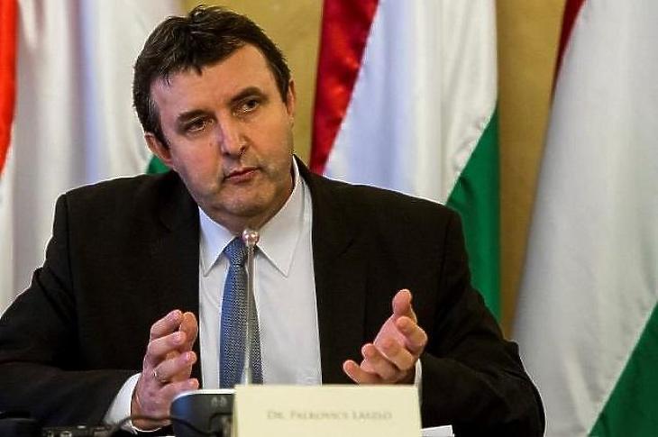 Palkovics elveti, hogy Brüsszelből diktáljanak (MTI Fotó)