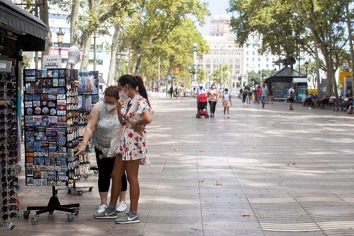 A (szokatlanul üres) Rambla sétány Barcelonában 2020. július 31-én. EPA/Marta Perez