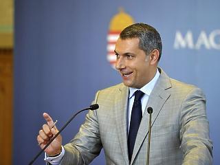 Lázárra bízta a dohányt Orbán Viktor - új pozíciót kap