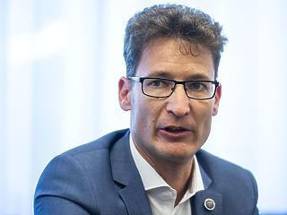 Cser-Palkovics András szerint gazdasági zsákutca az iparűzési adó csökkentése