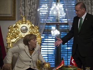 Törökország finoman dörgölőzni kezdett Németországhoz